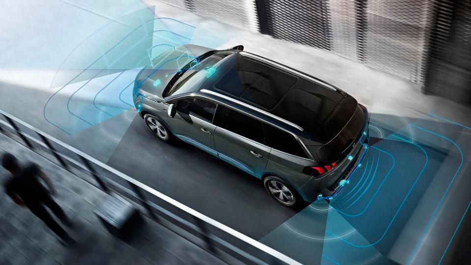 Aide visuelle 360° de parking et Park Assist - Nouveau SUV PEUGEOT 5008 GT